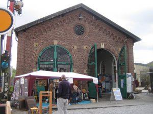 Handwerkermarkt zu Gast im Lokschuppen
