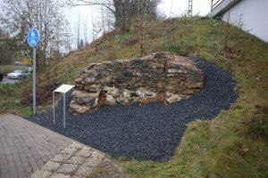 Mauerreste des 1. Bahnhofsgebäudes in Hochdahl
